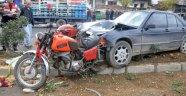 Otomobil motosiklete arkadan çarptı: 1 ölü, 2 yaralı